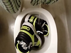 pissing my osiris sneakers