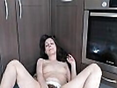 Cute girl with hairy cunt doing morning masturbation. Really hot and cute :3