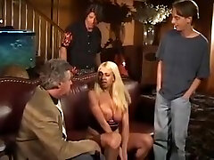 Young model flashes her breathplay rope to old movie producer