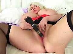Big titted and mera malk sex milf Sammy Sanders plays with dildo