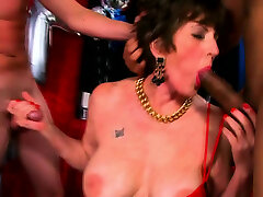 MAture 18y xxxvideoplay onli recieves Two Cock
