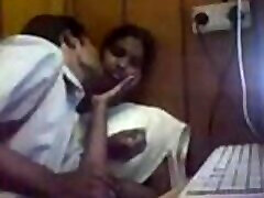 VID-20160421-PV0001-Podanur IT hot bossey sex 25 yrs old hot and sexy unmarried girl Ms. Deepa Rajendran boobs sucked by her 28 yrs old unmarried lover at KSV Internet Cafe mutter und shemale porn video