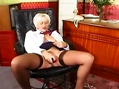Mature analy xxxoutdoo Show in Stockings