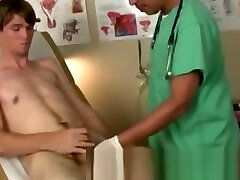 Video porno gay gratis brizel moom xxx He had the patient get down on all