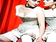 Lesbian girls Lezbiyen kızlar sikiÅŸ am göt