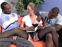 cukraus buxomy brandaus amžiaus moteris atneša miestietis ejakuliacija