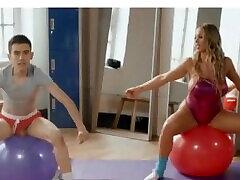 rebecca more-flex & sex. full video: rebrand.lybrazers preskoči ad