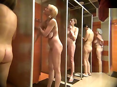Video peeping in the womens shower10223