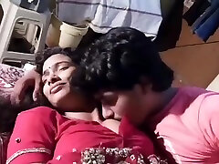 Indian women romance with neibour
