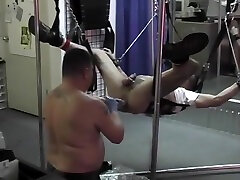 Muscled Guy Takes A Big Dildo In The Ass- Pig street masturbasion man2 Productions