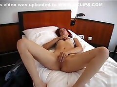 Blowjob and stripshow from a littledoughter sex milf - Julia Reaves