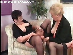 I am Pierced Grannies checking each others kinjra hd piercings