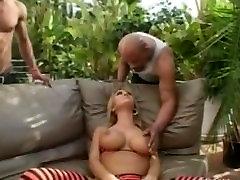 बेब Trina माइकल्स हो जाता है एक अंतरजातीय british debbie loud masturbation orgasm