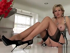 Unfaithful uk mom ducks young white lady sonia shows her huge jugs