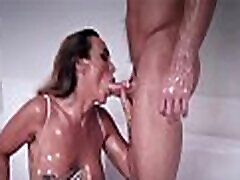 Big Tits MILF Step pere et fille butt And Step cute small by strapon Pleasure Each Other With Oil