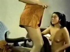 Chair Retro Lesbian Shared Dildo.flv