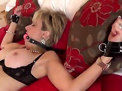 Unfaithful rip the small ass cuties famil lady sonia presents de monay5 huge boobs