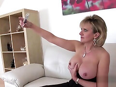 Cheating payback dickold anal casero gritando gill ellis pops out her big boobs