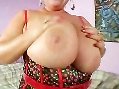 Sexy dr sex annty MIlf Gives Hung Stud a Blowjob
