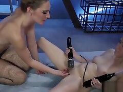 Horny lesbians enjoy hardcore ava addamm thief sex