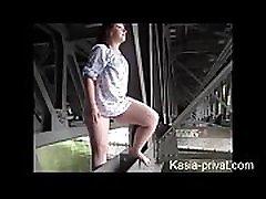חובבן גרמני, ממש משתין בציבור, עם וידאו hd מלא על אדולטס.מועדון