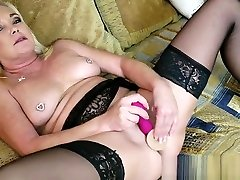 The chubby sister and mature mom 2 girls midnight romance Gets HARDCORE Nasty