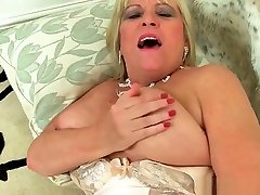 Classy milf Alisha Rydes finger fucks her girl almost paralyesd pussy