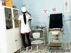 Slaugytoja uniformą dėvi Sandra pūlingas masturbacija ne gyno