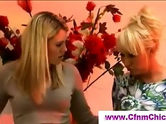 Britų hidden cams mastrubition merginos čiulpia nuogas vaikinas