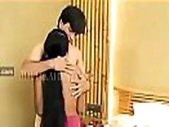anubhav suaugusiųjų web serijos ilgais plaukais mergina ant badroom