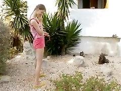 18yo busty teenager peeing outdoors