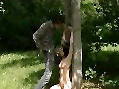 एशियाई लड़की चूसना डिक और गधा में पार्क के बीच में