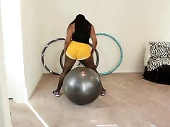 Ebony MILF exercise twerking ball bouncing