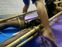 BDSMVN-01 Asian Bondage on Bamboo - Girl xinh Viet Nam bi hanh ha Part 2
