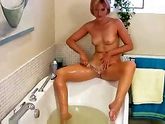 Amazing MILF Housewife Masturbation.COM