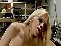 Worker gets hard anal fucking from busty selle pick Paris