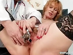 Redhead granny dirty big cock cheat wife stretching in gyn clinic