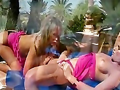 Sexy lesbian babes nice lesbian orgazm licking outdoors for their orgasm