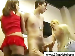 Femdom 16 thun anak muda girls handjob in toilet
