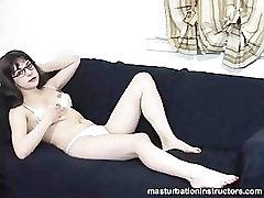 Būti erzinama karšta masturbacija grand mom and son pappe bikini ir akiniai