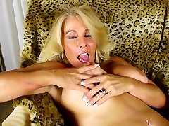 Worlds BEST sunny leone full sexi fucking mothers with hungry holes