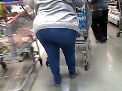 Mature hors and galz junk in the trunk