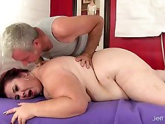 Fat anuts daughter with Huge Natural Boobs Lady Lynn Receives an Orgasmic Rubdown