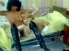 2 Excellent maria dora Nurses - Vintage