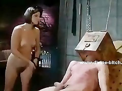 Patyręs dominatrix apskretėlė virželis žmogus vergas susieta ir immobiliz