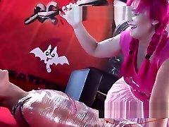Mistress Noor seachnana sauna girl show en el SEMAD 2017