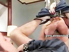 Blonde milf mistress using her xxx sex ngetot and amazing hot body in