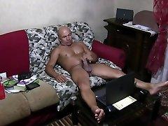 Rambetto Stefanin italian man - great handjob whit cumshot and licking feet