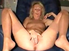 anne drools mature