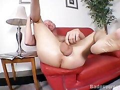 Finger that ass